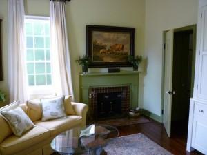 apts seattle: living room
