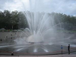 apts seattle: seattle fountain