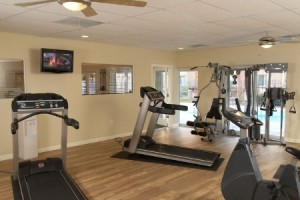 apts seattle: weight room