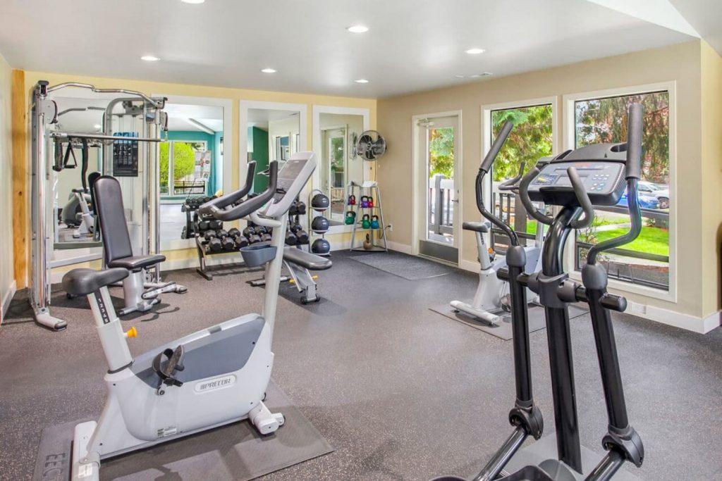Fitness equipment at Vue Kirkland Apartments in Kirkland, Washington